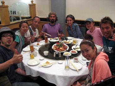 《恒例のケイジロー&シンペイ・グループのお食事会》