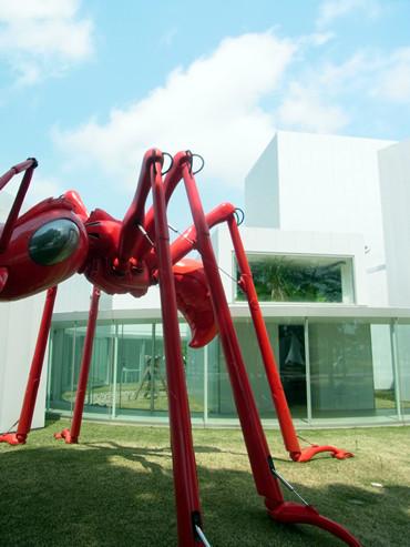《十和田市現代美術館&青森県立美術館》
