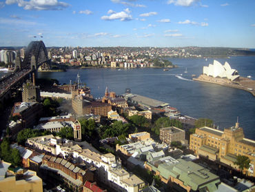 昨晩21時発シドニー行きの便のJAL771に乗り、早朝にシドニーに到着。到着したシドニーは南半球なので初夏だっ。