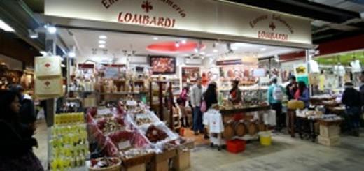 """フィレンツェの中央市場。""""気前の良さ""""が勝利の秘訣!"""