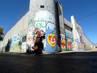 パレスチナの塀の中で食う中華
