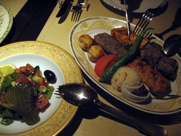 誰が決めたか・・・・世界三大料理。