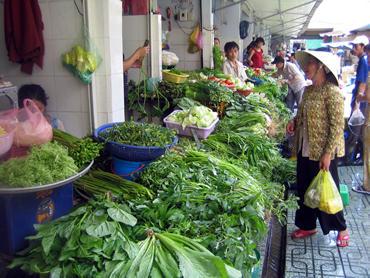 ホーチミンの胃袋・ベンタイン市場 色々発見できるベトナム的健康を検証。