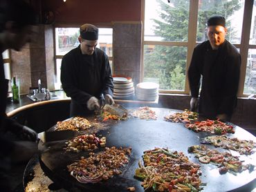 とってもモンゴルな夜。 創作意欲を掻き立てるレストラン。 モンゴリアン・バーベキュー