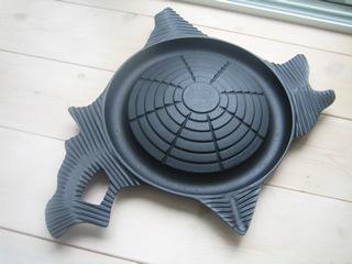 北海道型の愛らしいジンギスカン鍋