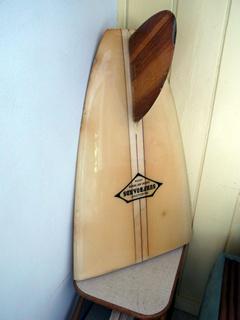 オブジェと化したクラシック・サーフボード