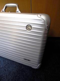 リモアのスーツケースのルフトハンザとのコラボモデル