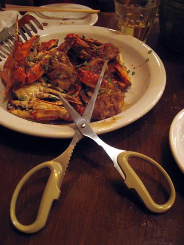 エビ、カニはヒトを変える!街のはずれの海鮮レストラン。