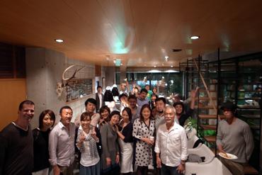 《駒沢の家 オープニングパーティー》